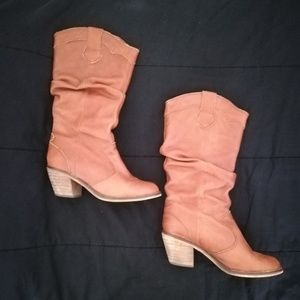 Heeled Western Style Slouch Boot